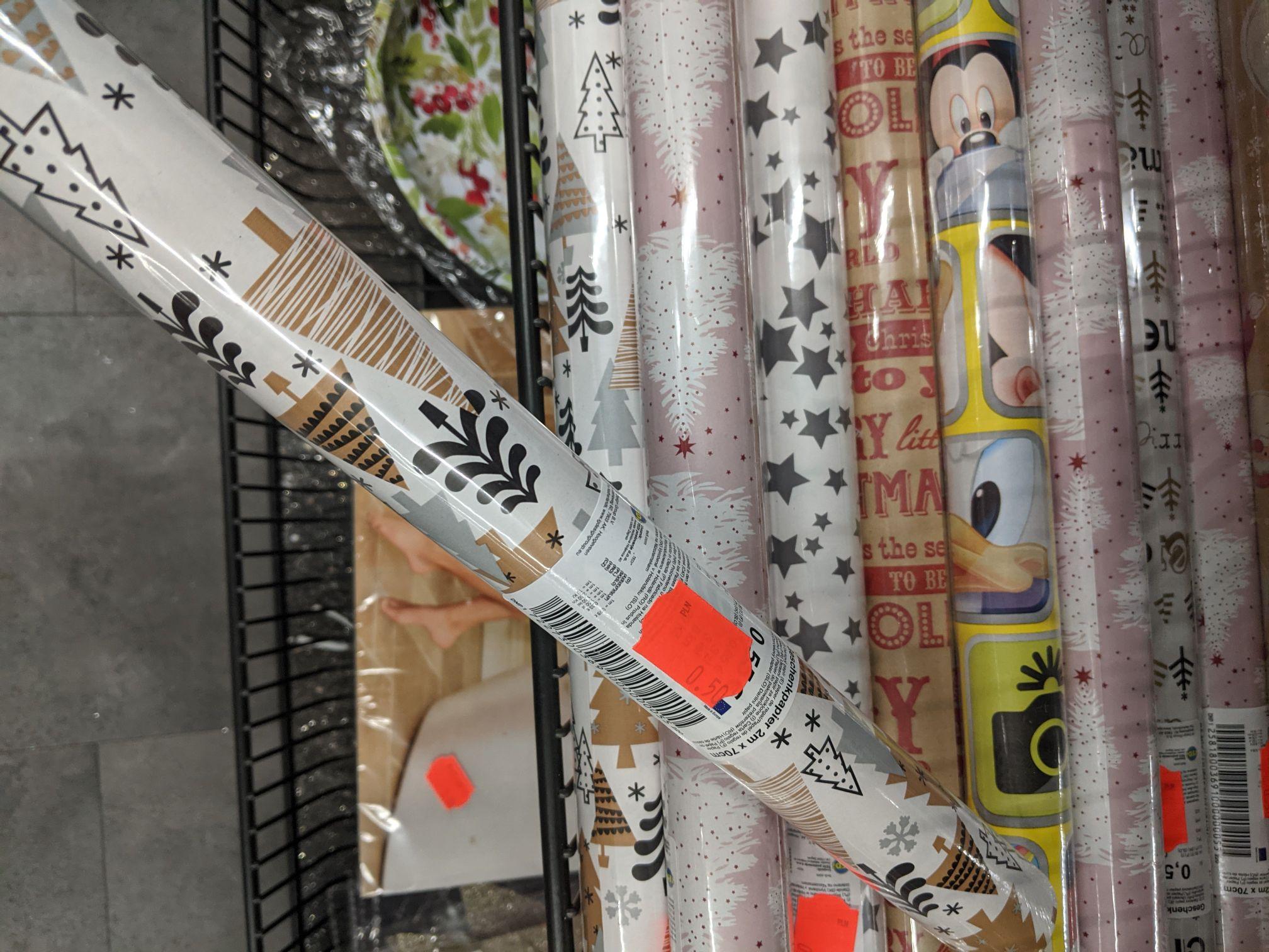 Papier ozdobny do pakowania prezentów 2m x 0.7m oraz torebki do prezentów. Tedi Dąbrowa Górnicza Mydlice