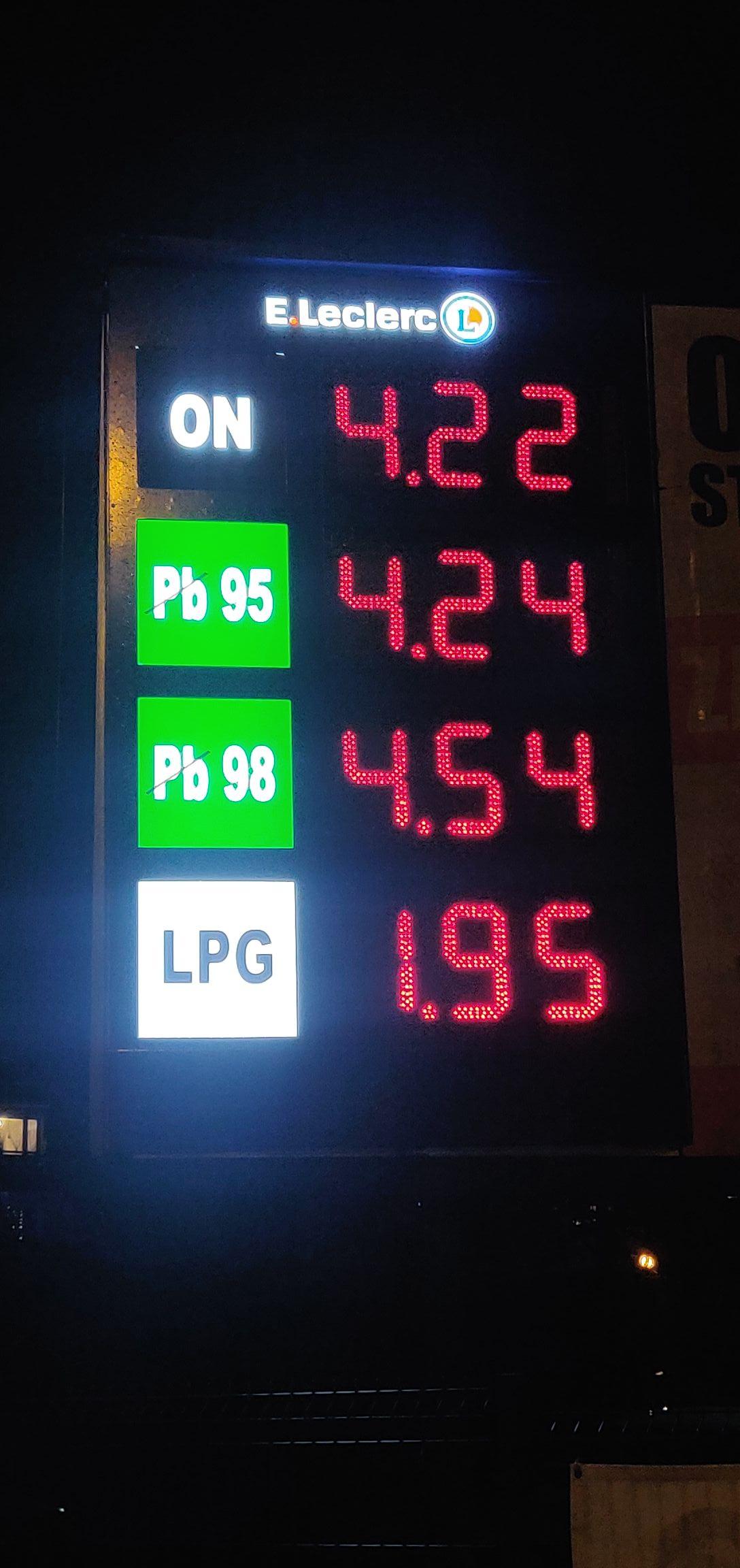 Nowa stacja paliw Tychy Leclerc ON 4,22zł Pb95 4,24zł LPG 1,95 zł Z kartą Bonus Leclerc 10gr/l taniej!!!