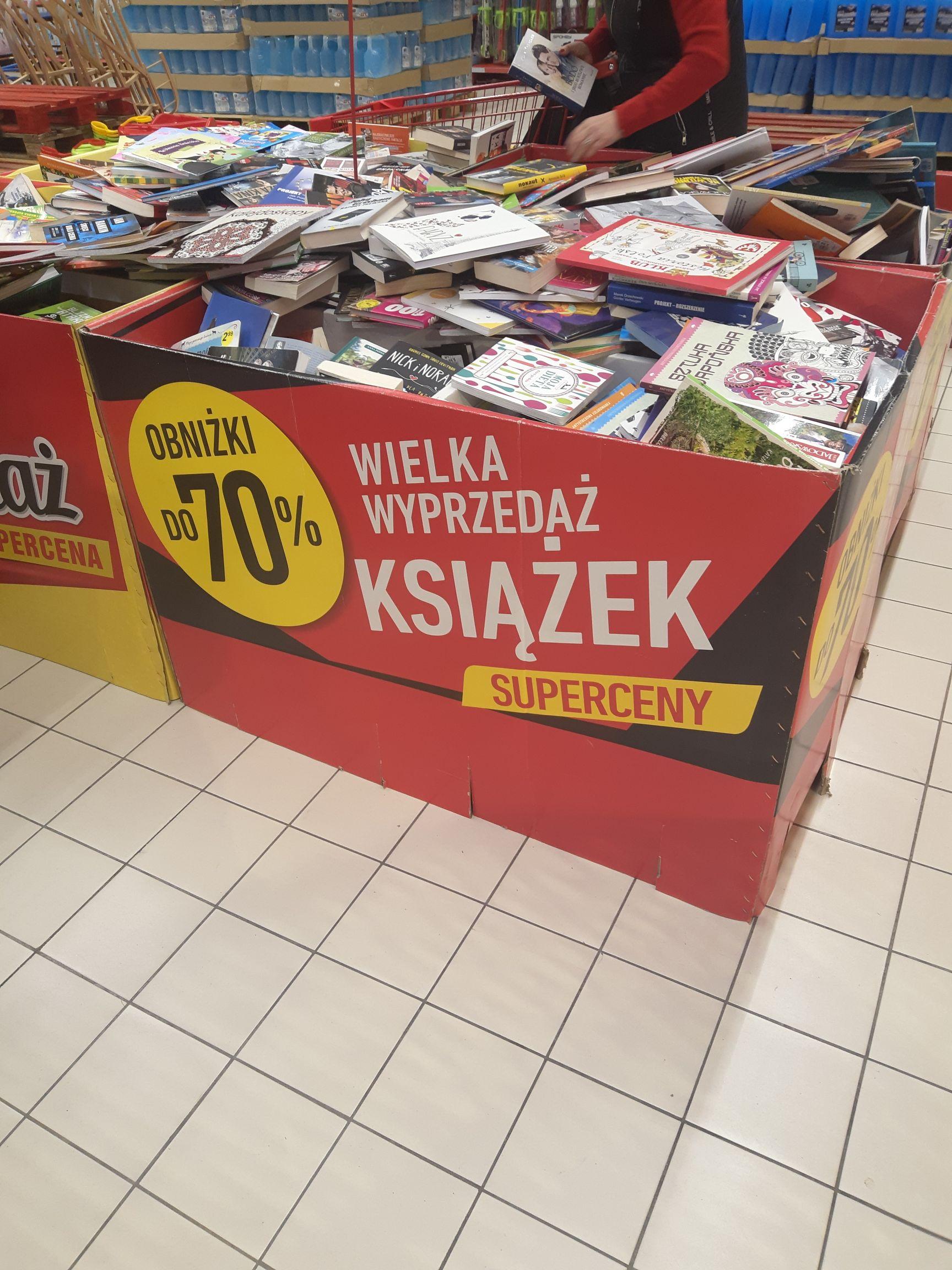 Wielka wyprzedaż książek Carrefour