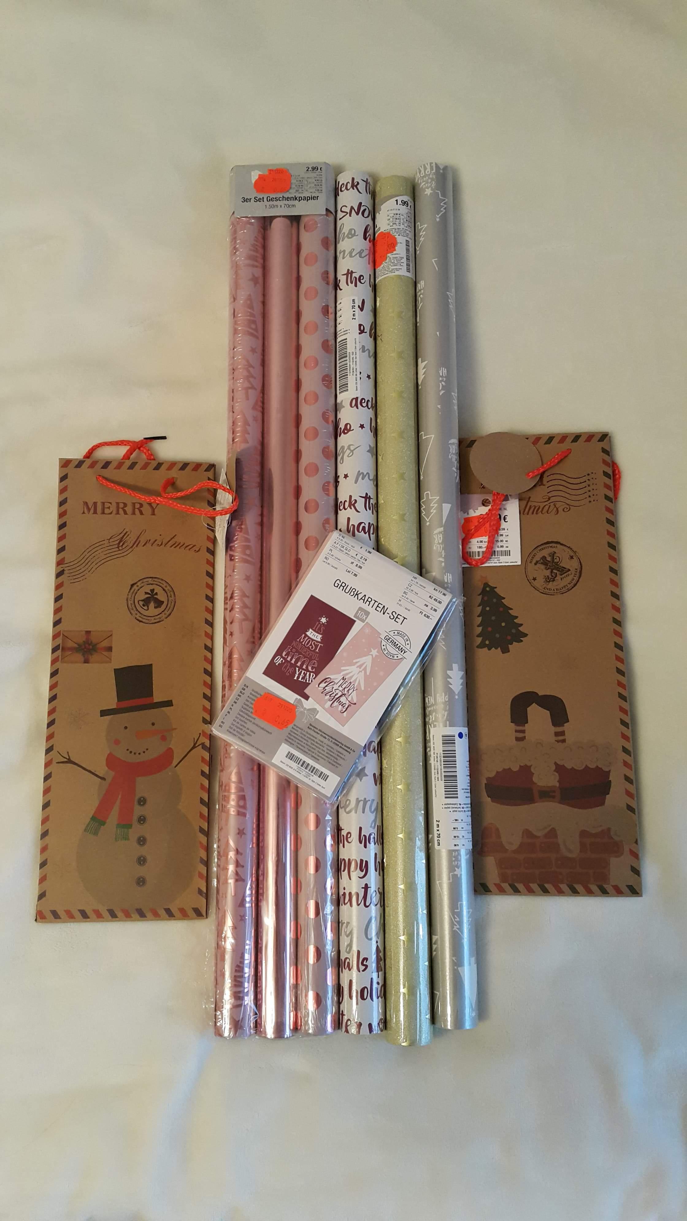 Kik wyprzedaż świątecznych torebek i papierów do pakowania