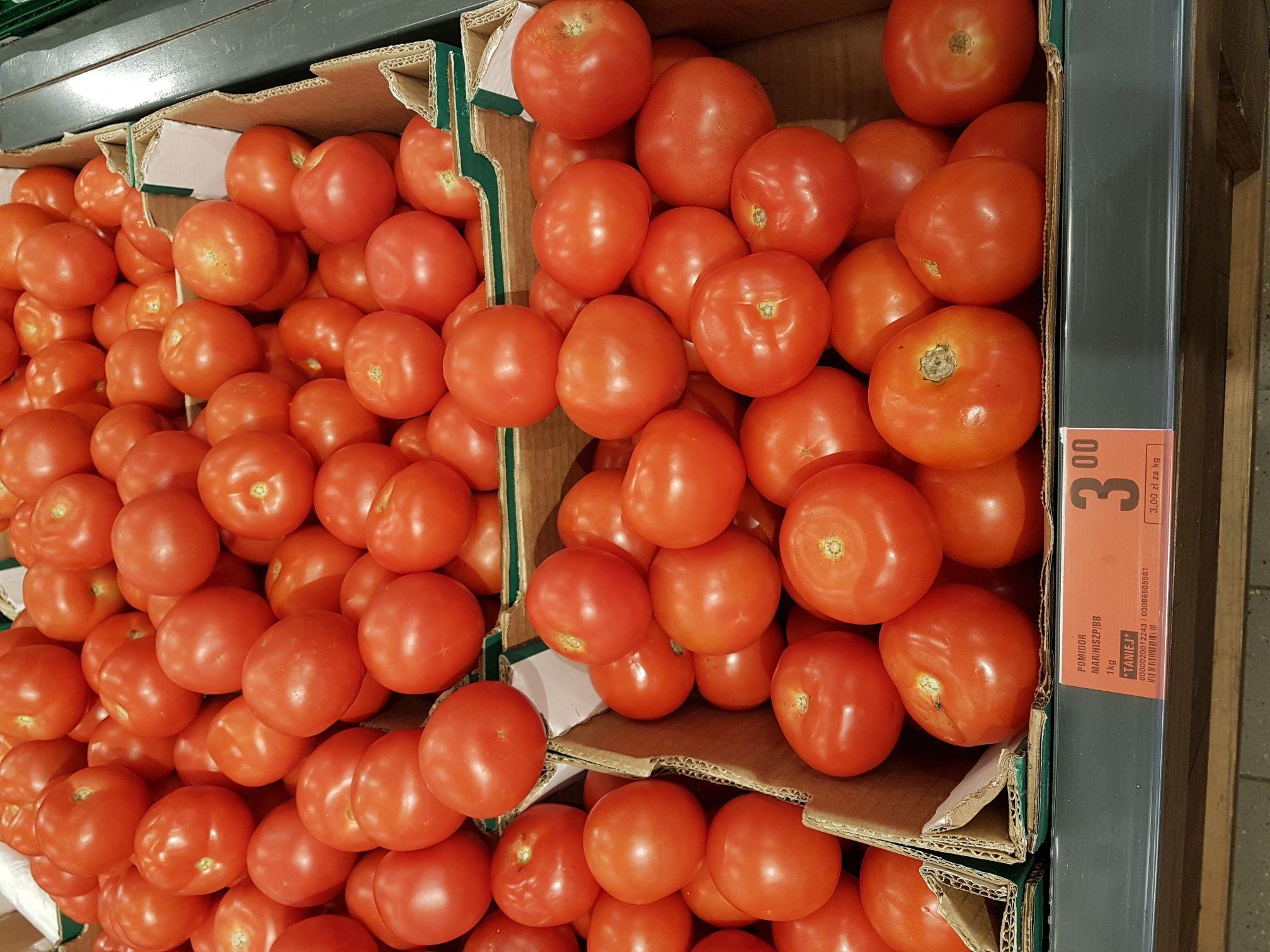 Pomidory 3 zł za 1 kg. Sklep Netto.