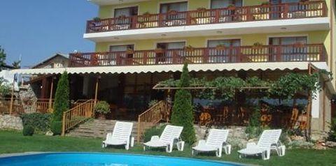 Bułgaria Hotel 3* z śniadaniami 14 dni w terminie 14-31.07.2021 za 1875 zł za 3 osoby ( wiele terminów w tej cenie)