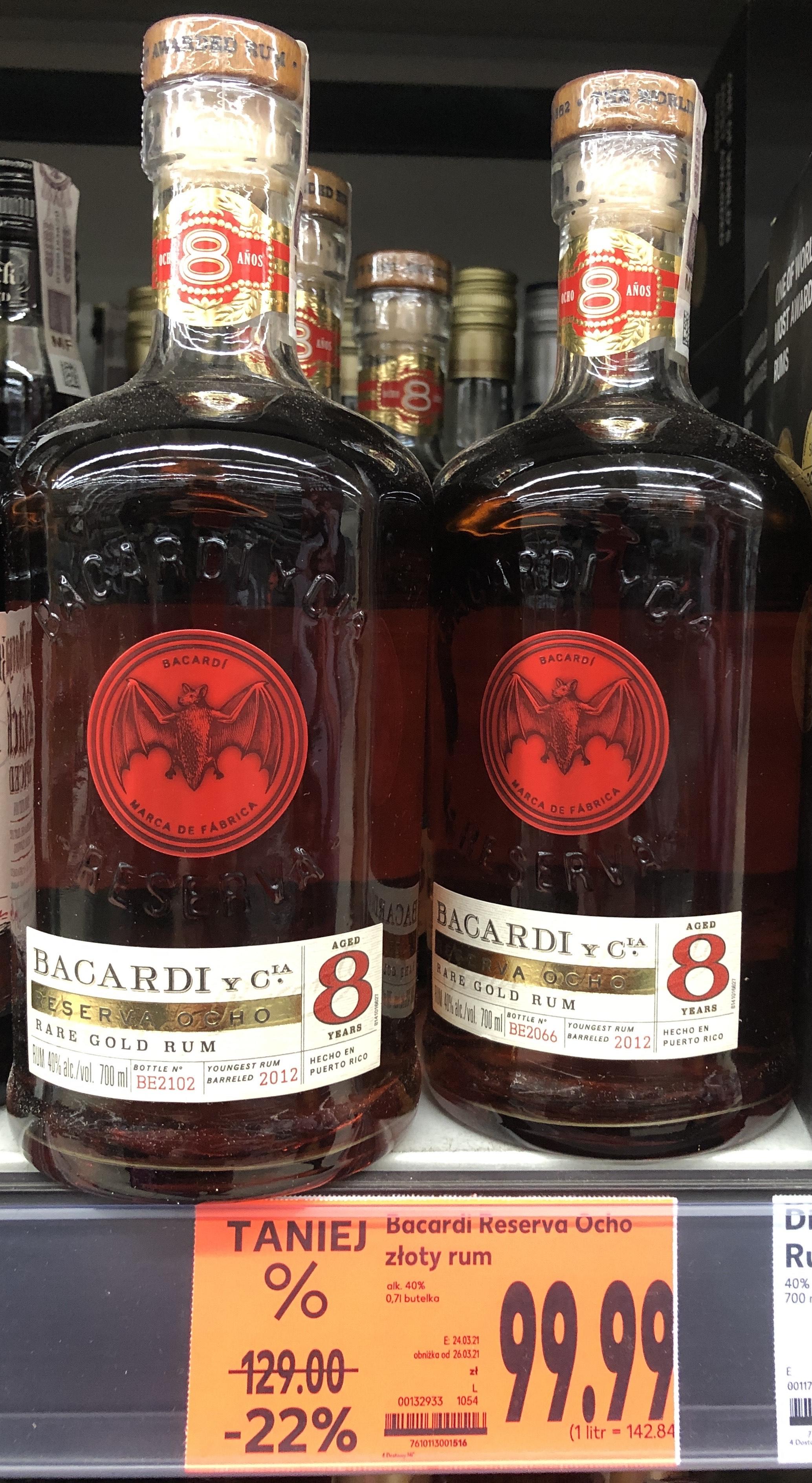Rum Bacardi Ocho años. Pojemność 0,7 l