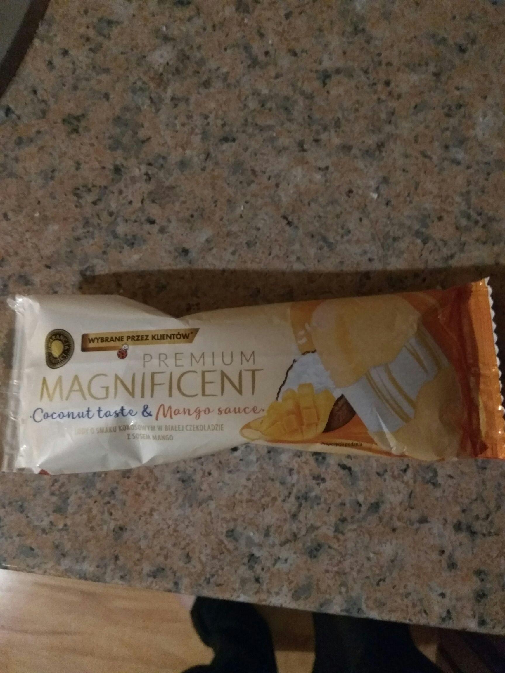 Lody PREMIUM MAGNIFICENT o smaku kokosowym w białej czekoladzie z sosem mango #Biedronka