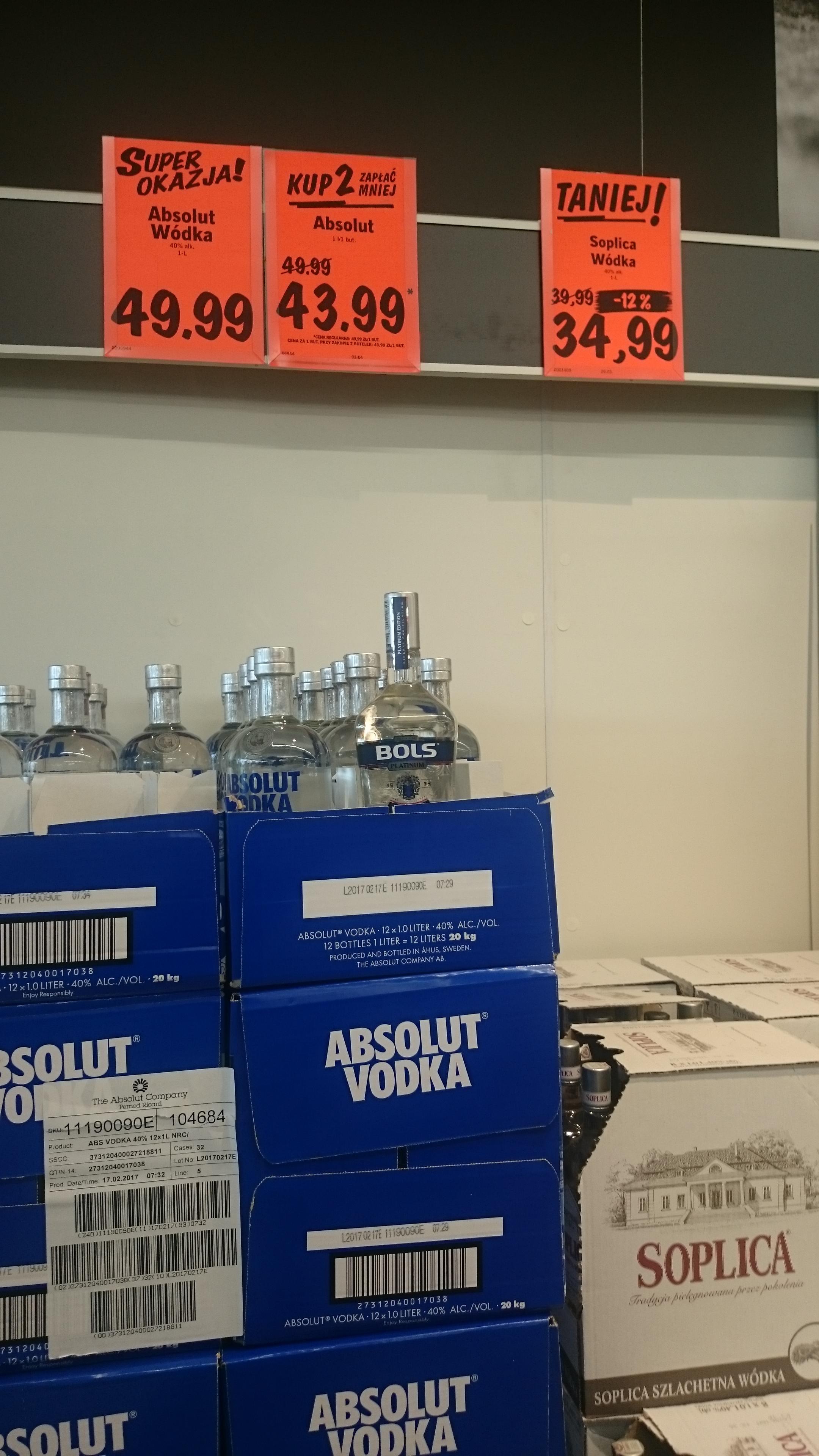 Wódka Absolut 1L przy zakupie 2 takich butelek w Lidlu
