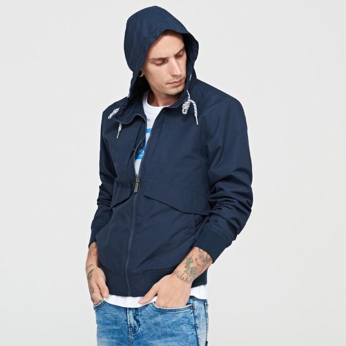 Męskie kurtki za 49,99zł (kilka modeli) + dostawa gratis @ Cropp