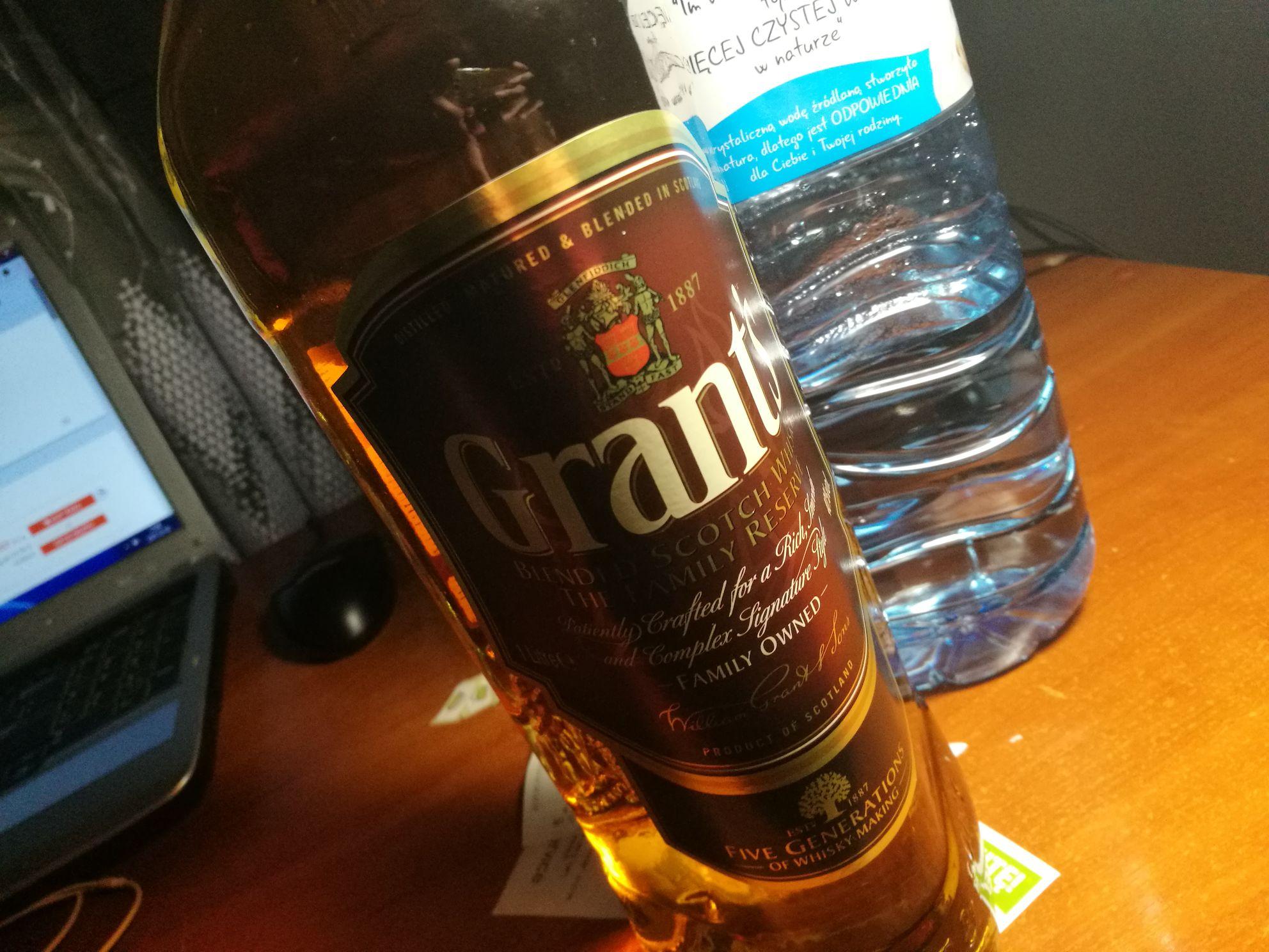 Grant's Scotch Whisky 1L w świetnej cenie @Stokrotka