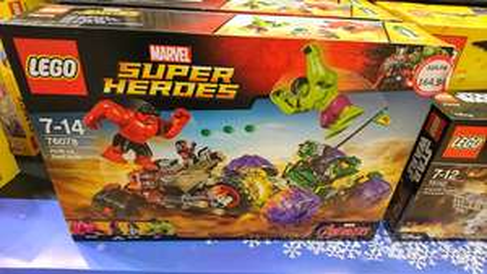 Lego SH Hulk vs. Red Hulk