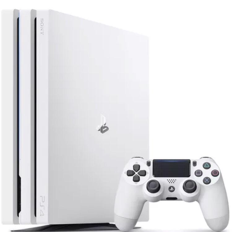 PS4 Pro White 1TB + Gran Turismo Sport + 4 gry z seri PlayLink