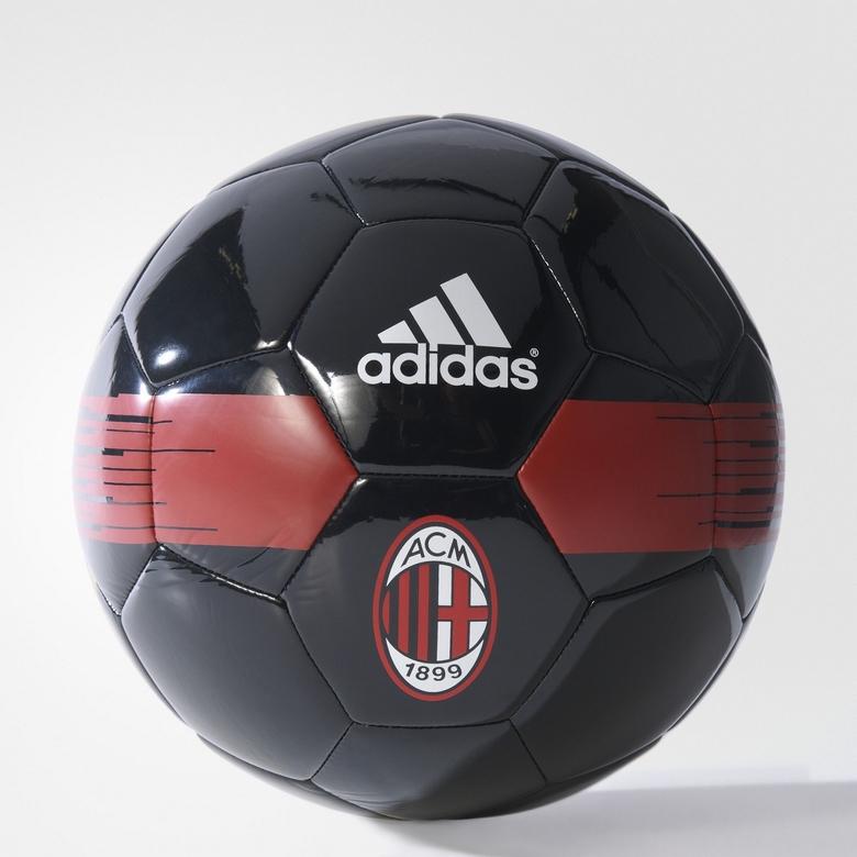 Piłka Adidas AC Milan - za pół ceny.