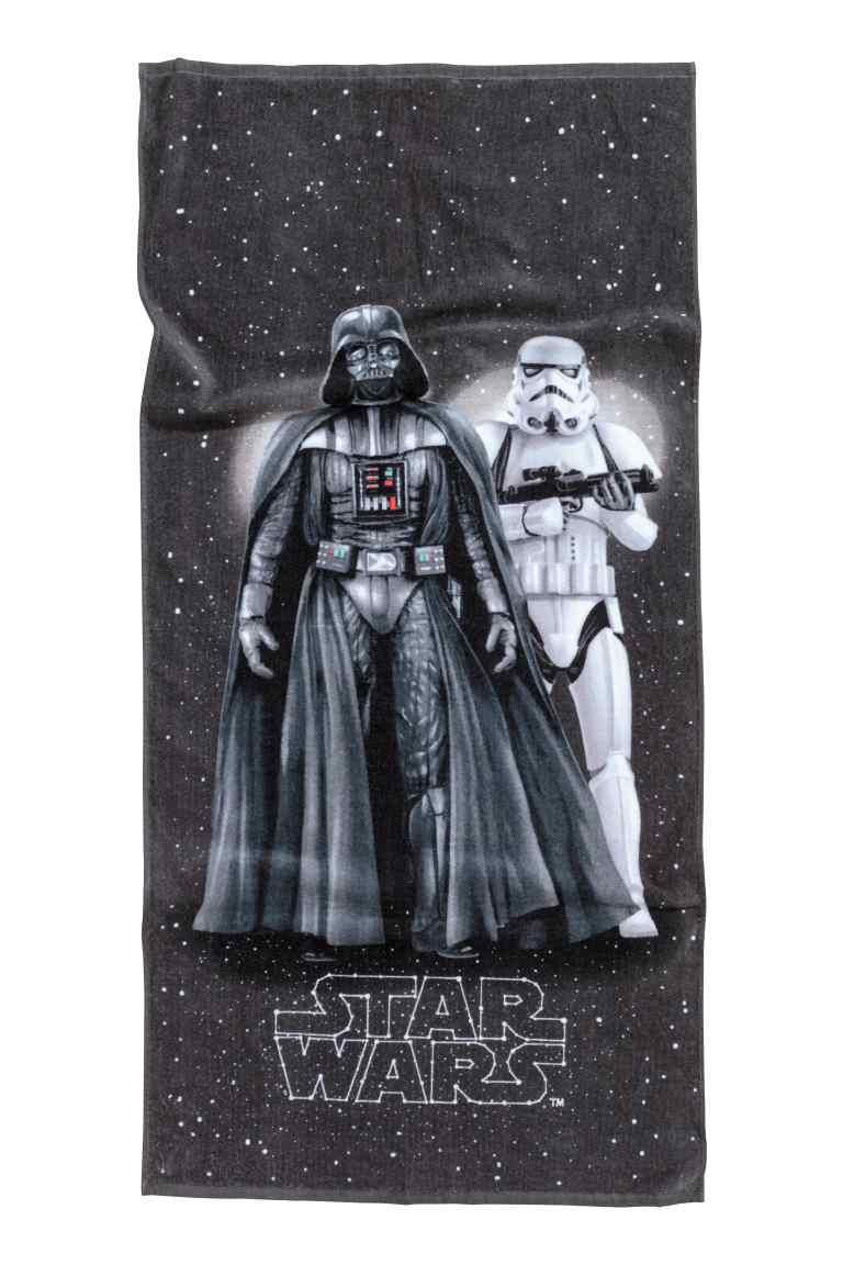 Ręcznik Star Wars 60x125cm za 31,92 + dostawa gratis @ H&M