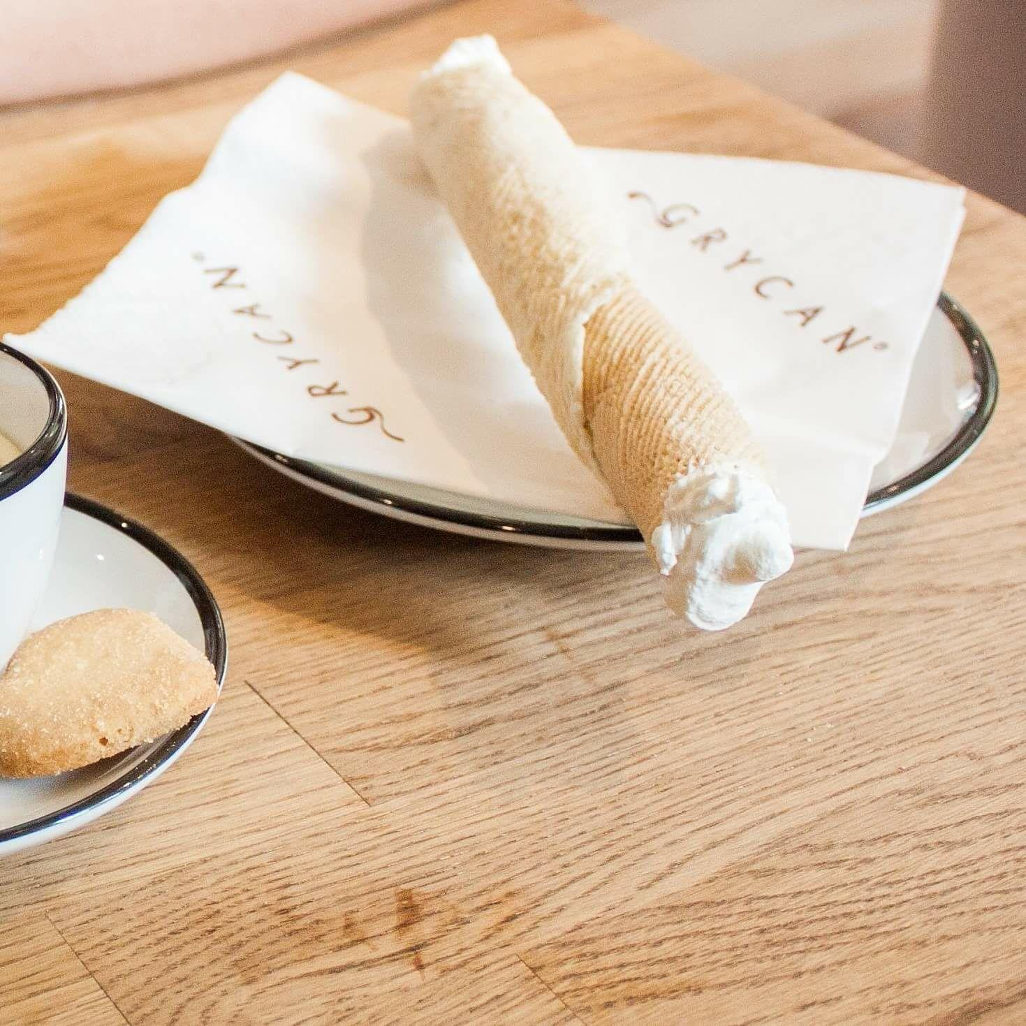 Grycan. Do kawy, herbaty lub czekolady rurka z bitą śmietaną gratis!