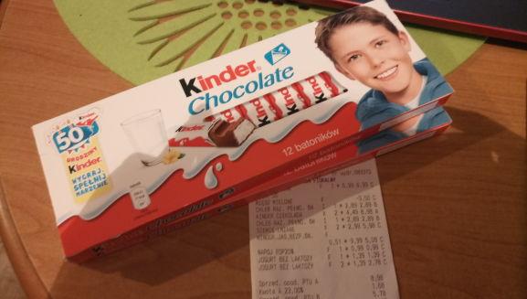 Kinder chocolate 12 batoników za 4.49 zł.