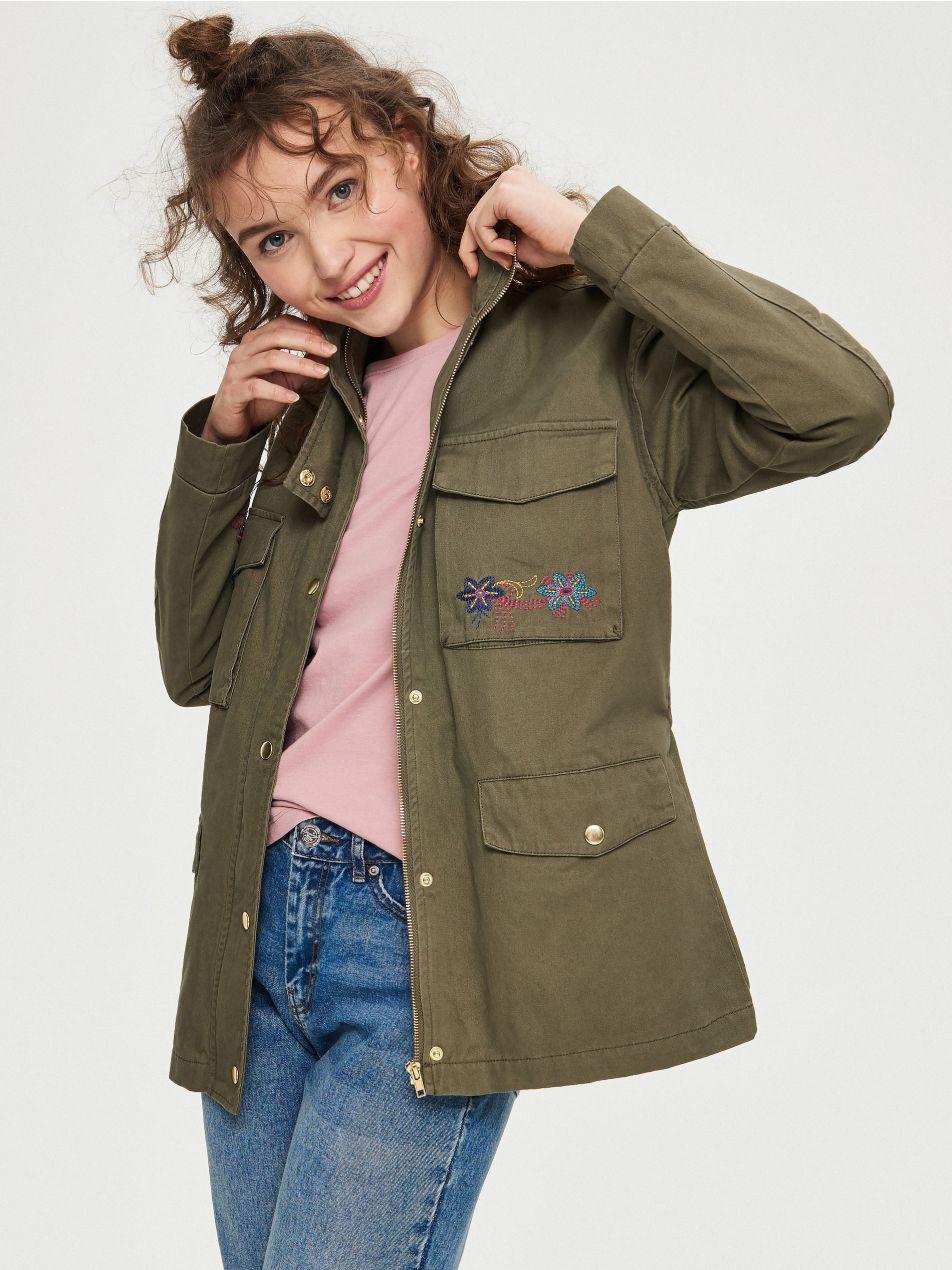 Damska kurtka za 39,99zł (pełna rozmiarówka) @ Sinsay