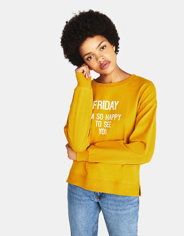 Damskie bluzy po 19,90zł + inne produkty z wyprzedaży @ Bershka