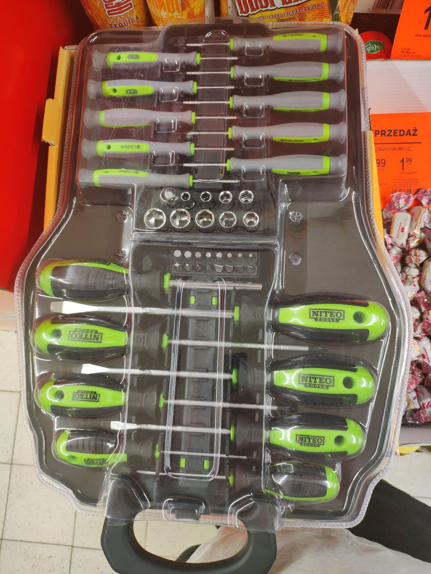 Zestaw megnetycznych śrubokrętów i bitów Niteo Tools w Biedronce