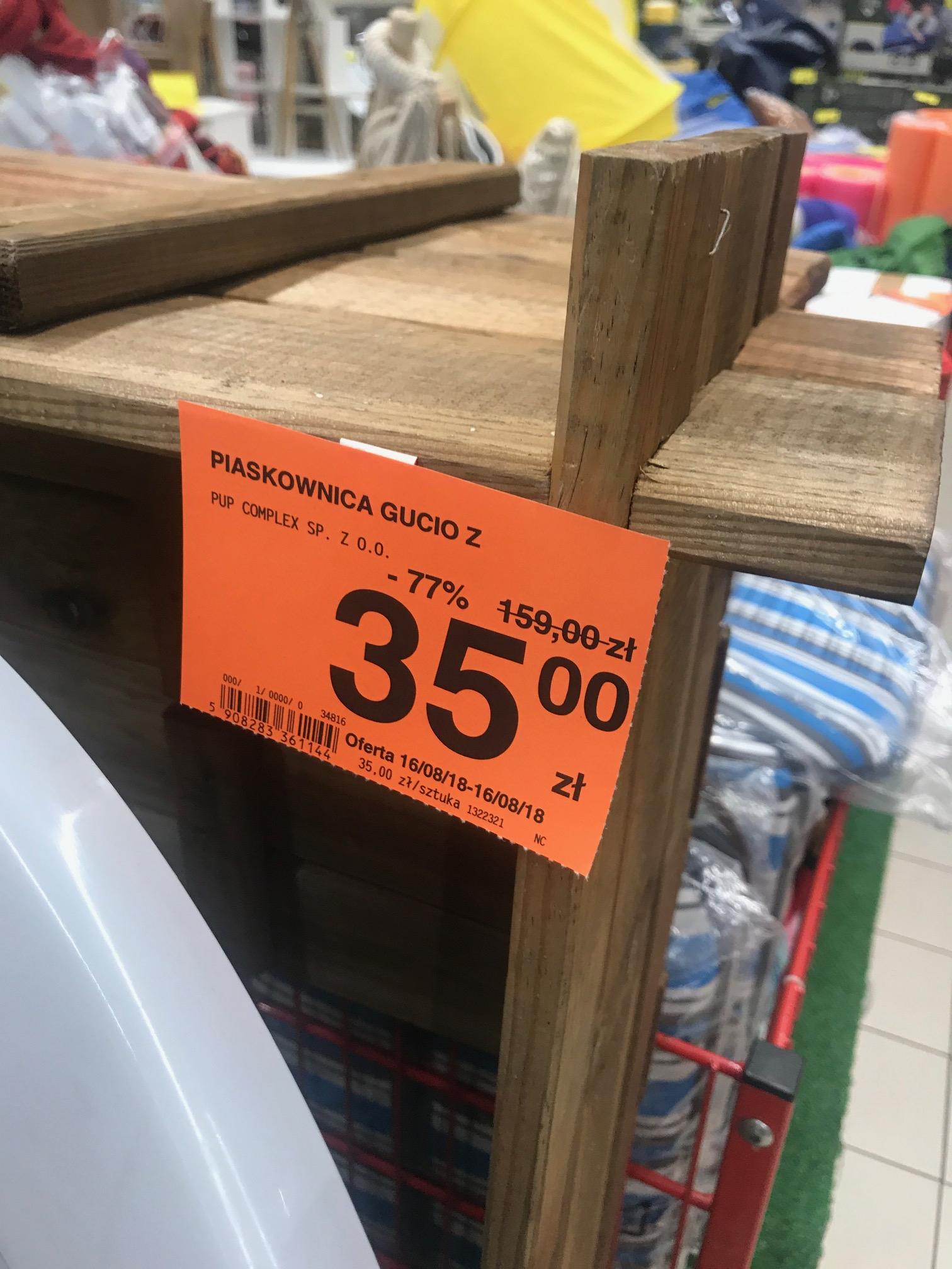 Carrefour Jaworzno Drewniana Piaskownica Gucio Z Ławeczkami.