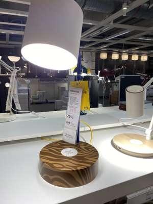 IKEA lampka led z ładowarką indukcyjną FÖRNYAD