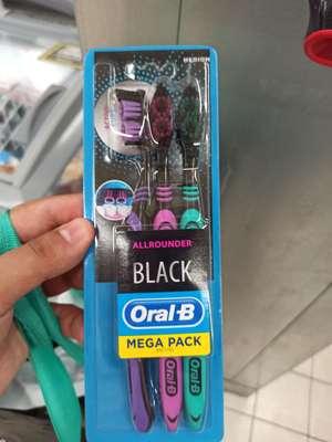 Szczoteczka Oral-B Black 3szt @Biedronka