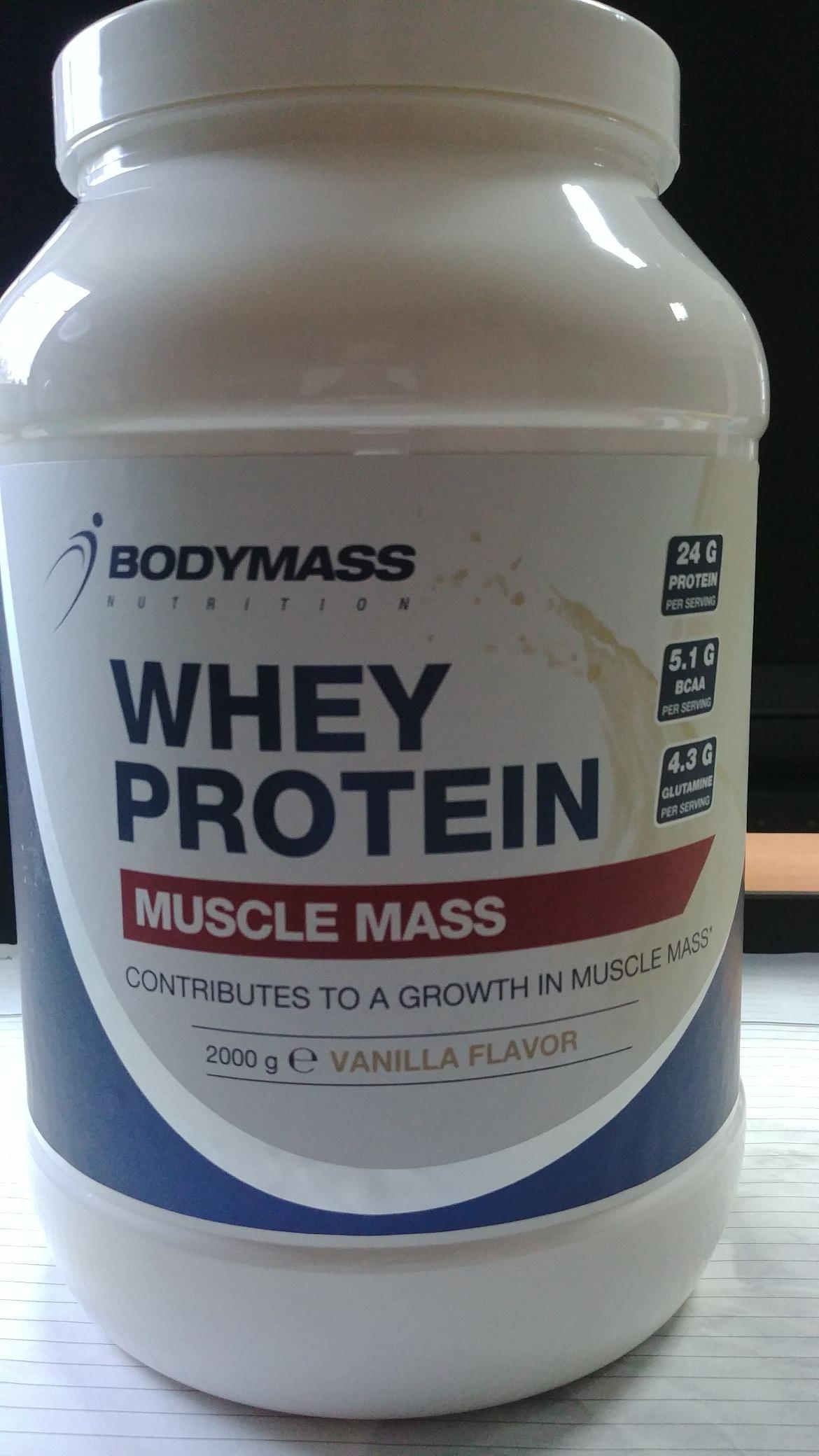 Białko Bodymass Whey Protein 2000g  w Action