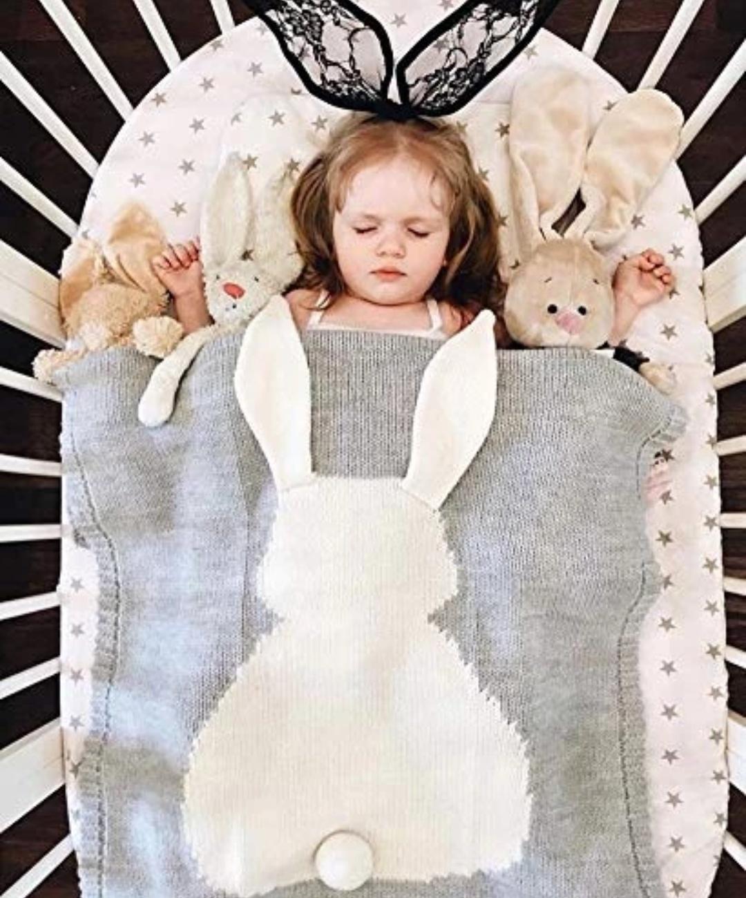 Kocyk dla dzieci ze wzorem królika
