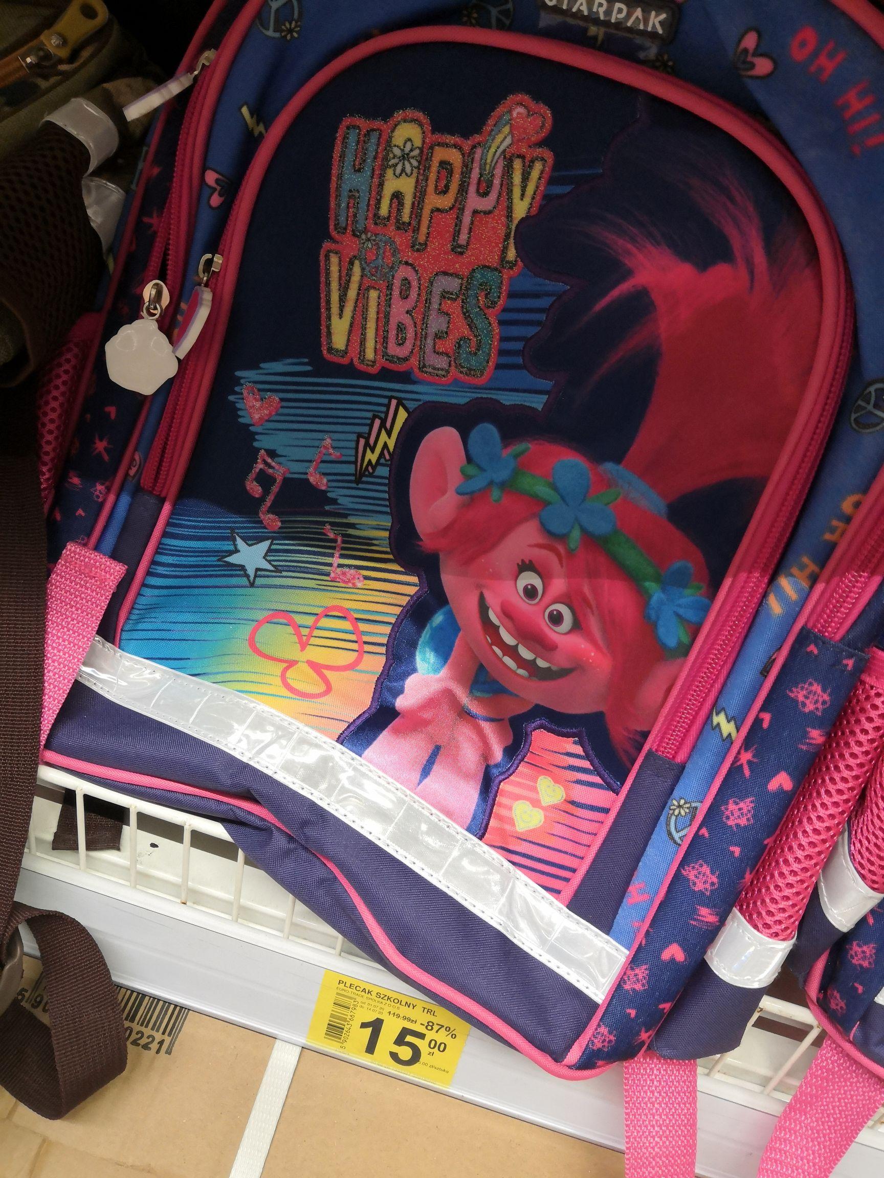 Plecak szkolny Trolle za 15zł i tornister DC Super Friends za 20zł Carrefour