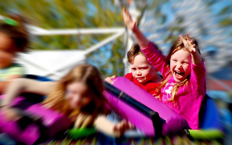 Wycieczka Statkiem do Danii do parku rozrywki cena za dziecko 195 zł ( 3 dni) z wyżywieniem - wejście do parku rozrywki Bakken