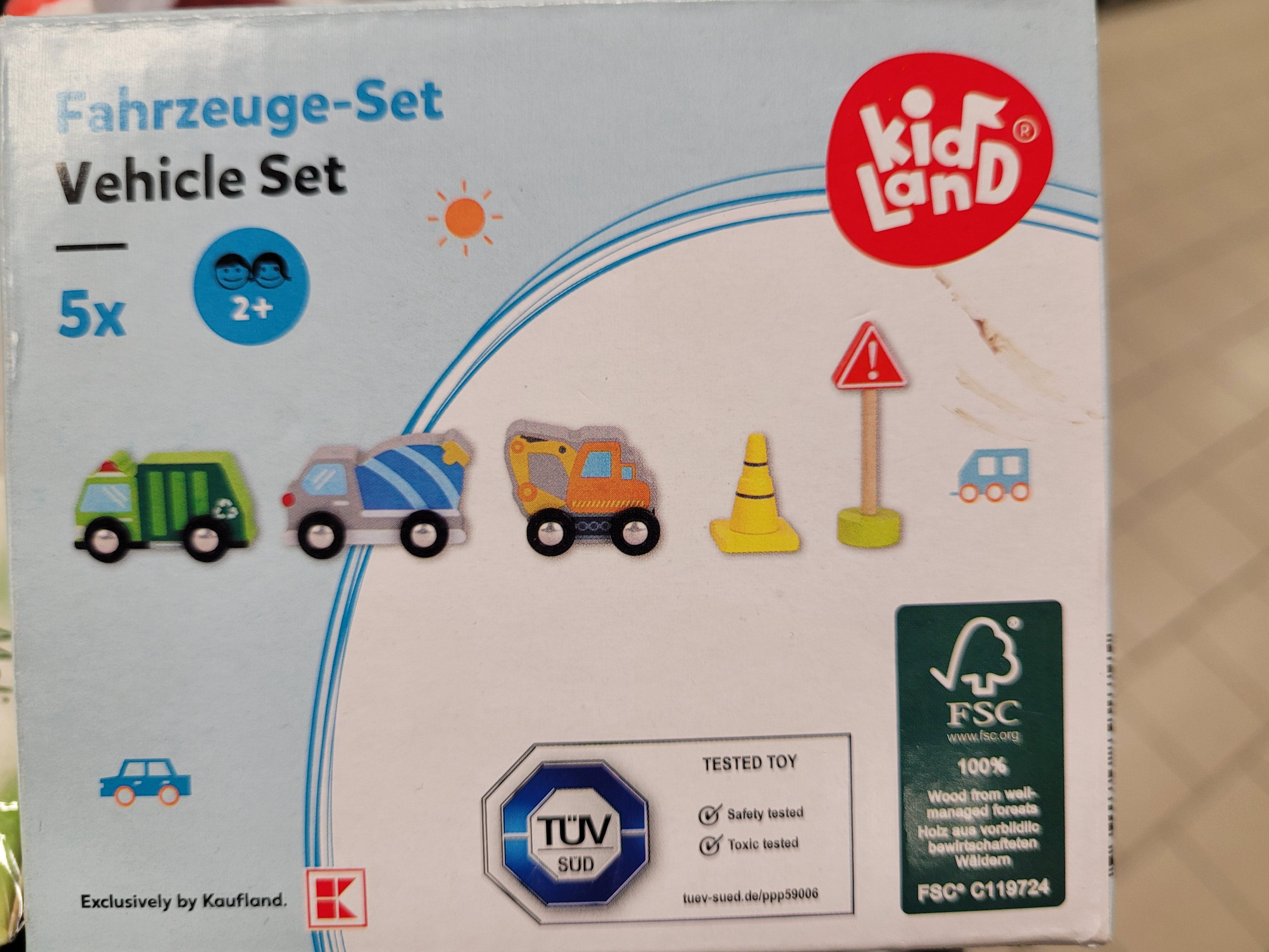 Zestaw drewnianych autek 5 elementów / za 5zł / Kaufland