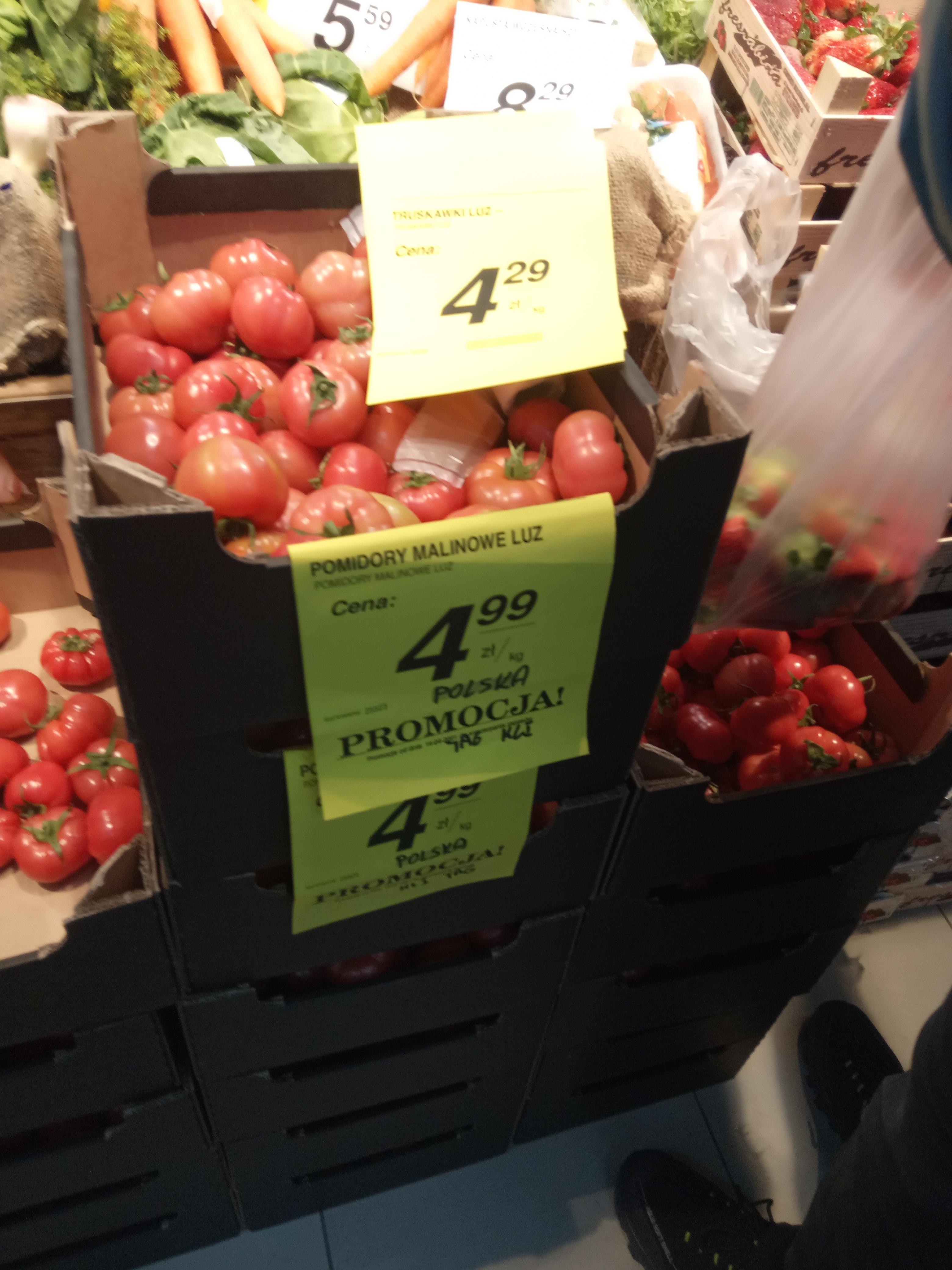 Pomidory malinowe 4,99 zł/kg, truskawki 4,29 zł/kg, ogórki 1,79 zł/szt PSS Społem