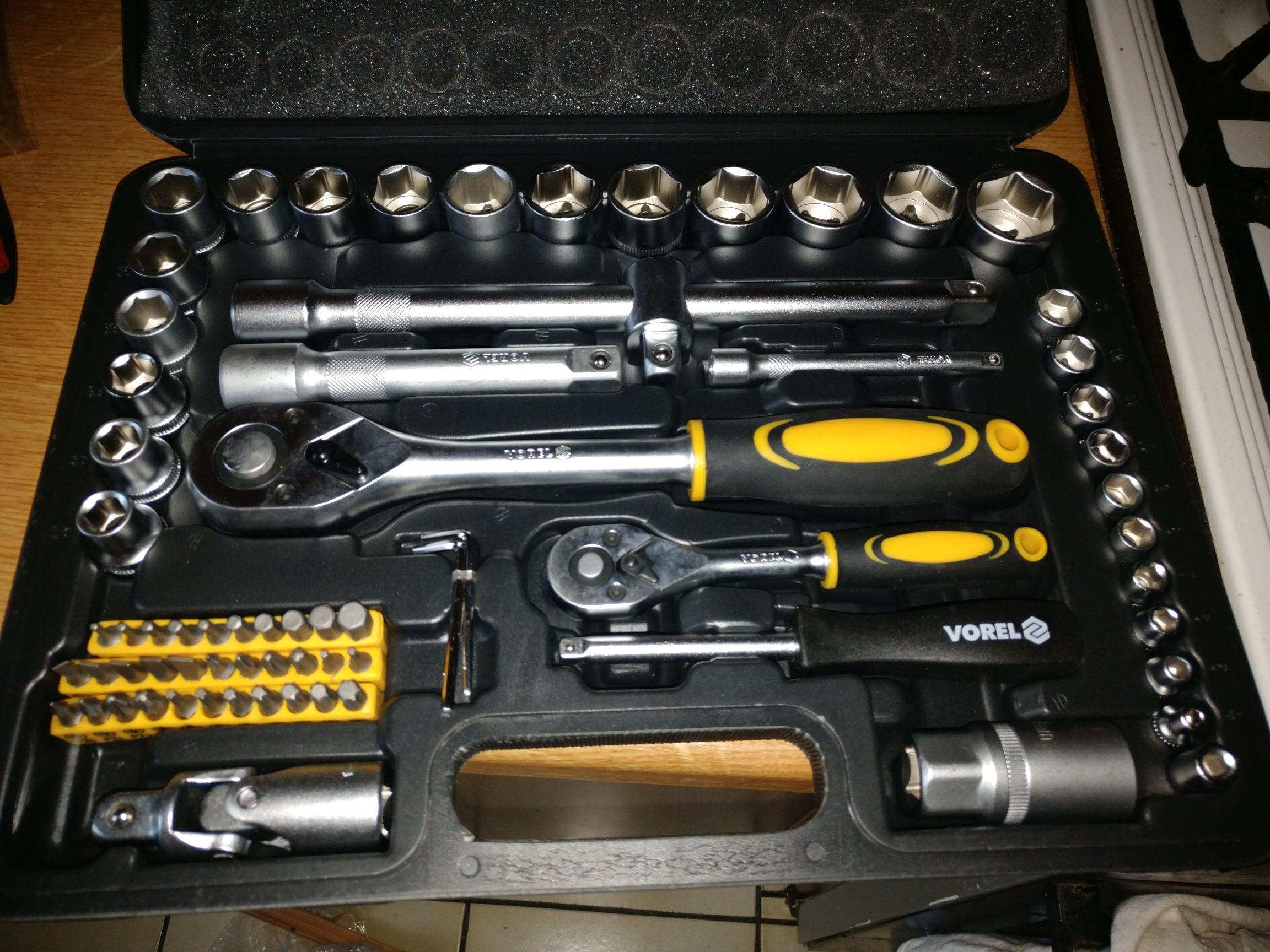Zestaw narzędziowy 72 części w castoramie